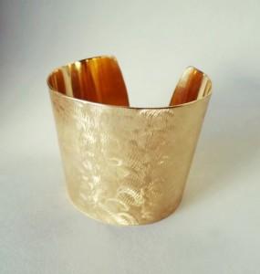 Aranyozott mattírozott karkötő
