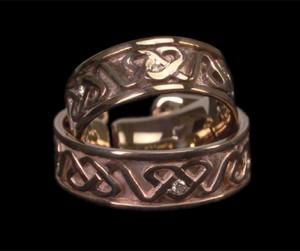 kelta aranygyűrű brillel